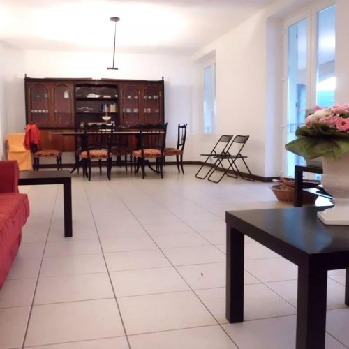 Lakeside Place Apartments nabucco living dining flowers