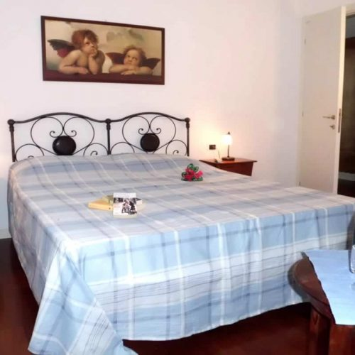 apartment bellagio historia double bed