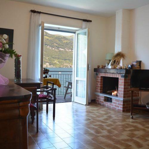 bellagio homes la traviata livingroom on the lake