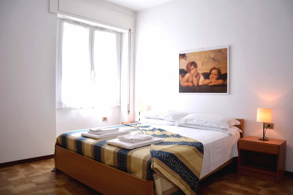 lake como property il trovatore bedroom