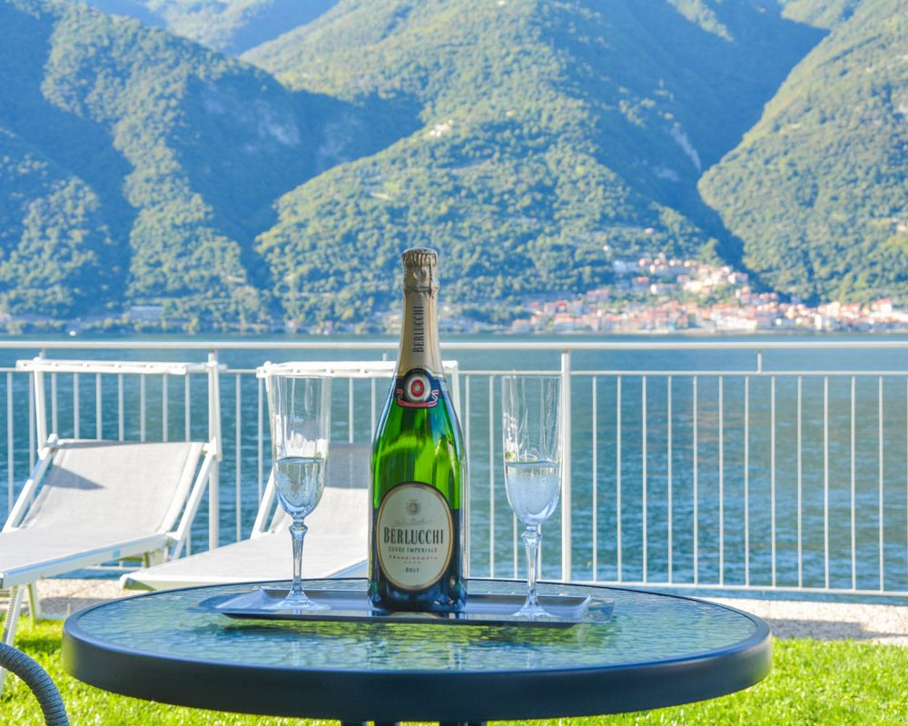 italian villa verdi garden wine enjoy