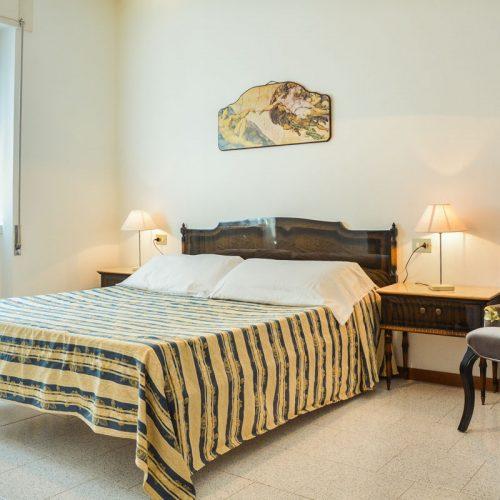lake como apartments aida gold bedroom