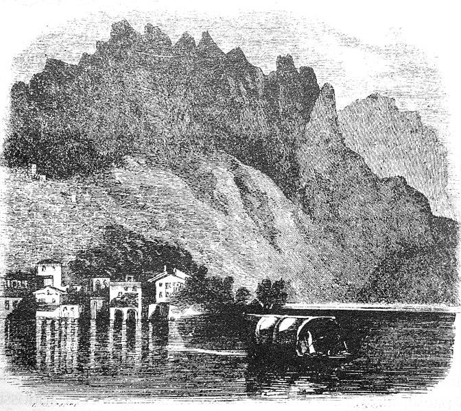 lake como traditional boat lucia