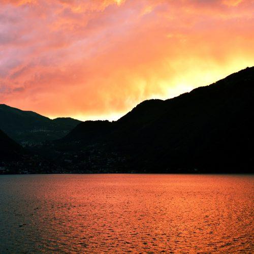 bellagio-villas-sunset-on-the-lake.jpg