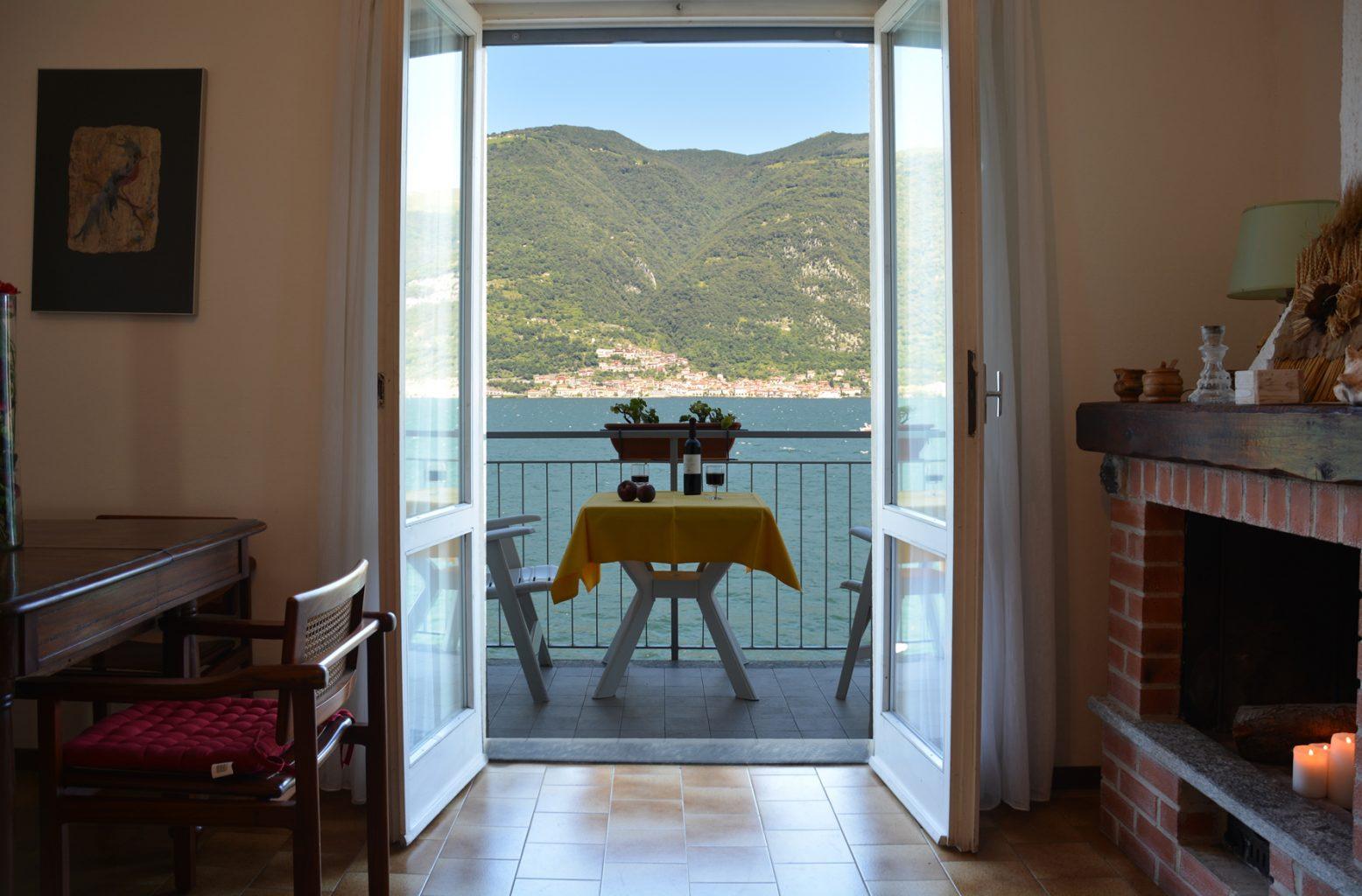 la-traviata-apartment-bellagio-balcony-and-livingroom-on-the-lake.jpg